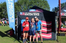 The Great American Bacon Race, all the way from Amsterdam, Netherlands brings three generations of amazing runners. Arrow later placing 1st place in his age and gendder category.